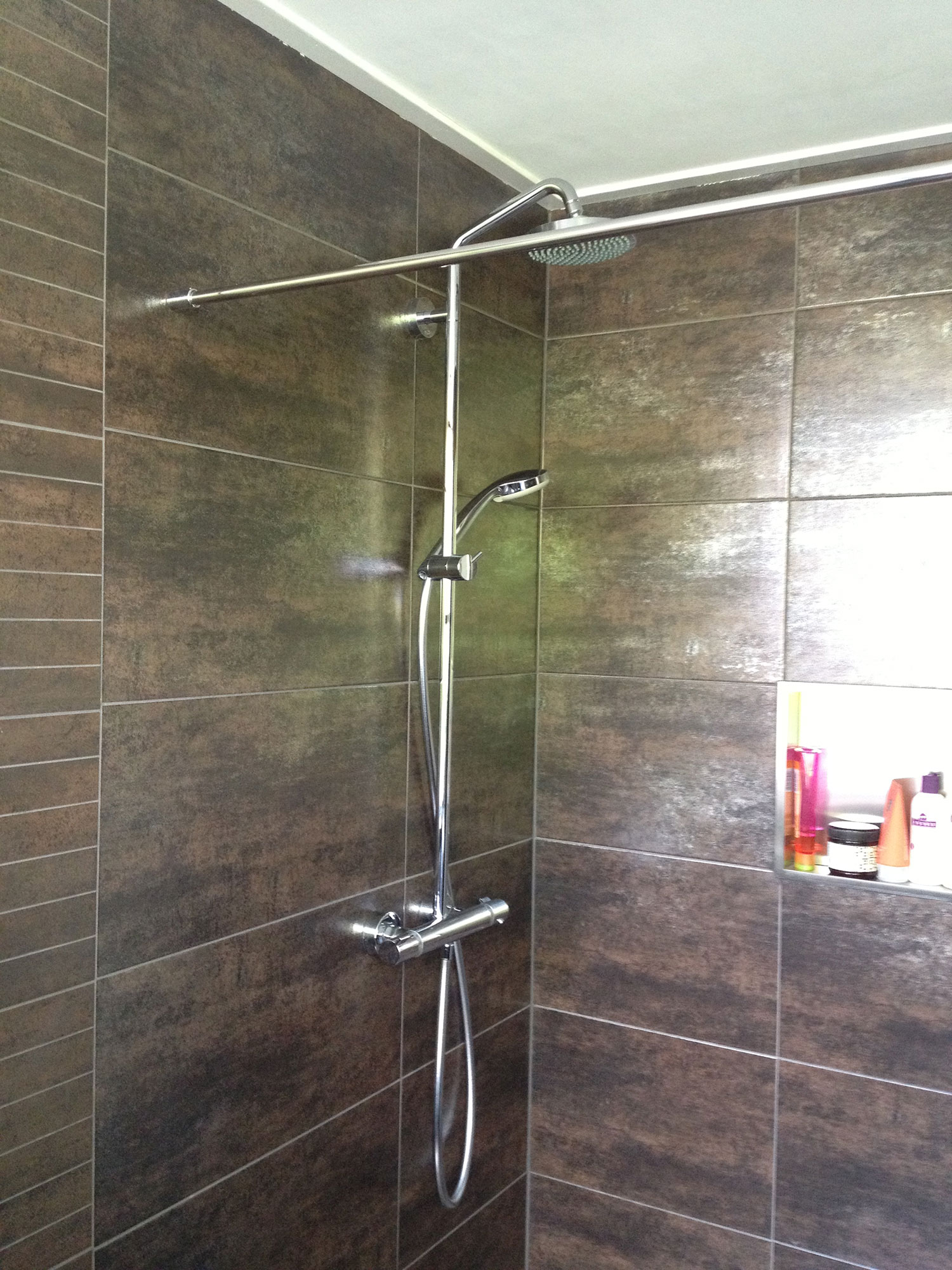 Badkamer Enschede (roest) | Installatiebedrijf R. van Baren