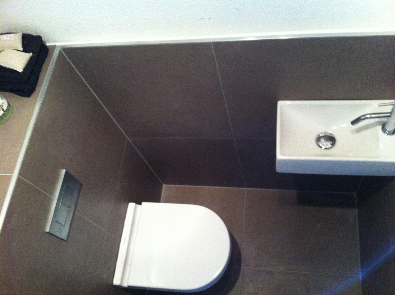Radiator Met Spiegel : Badkamer enschede bruin wit installatiebedrijf r. van baren